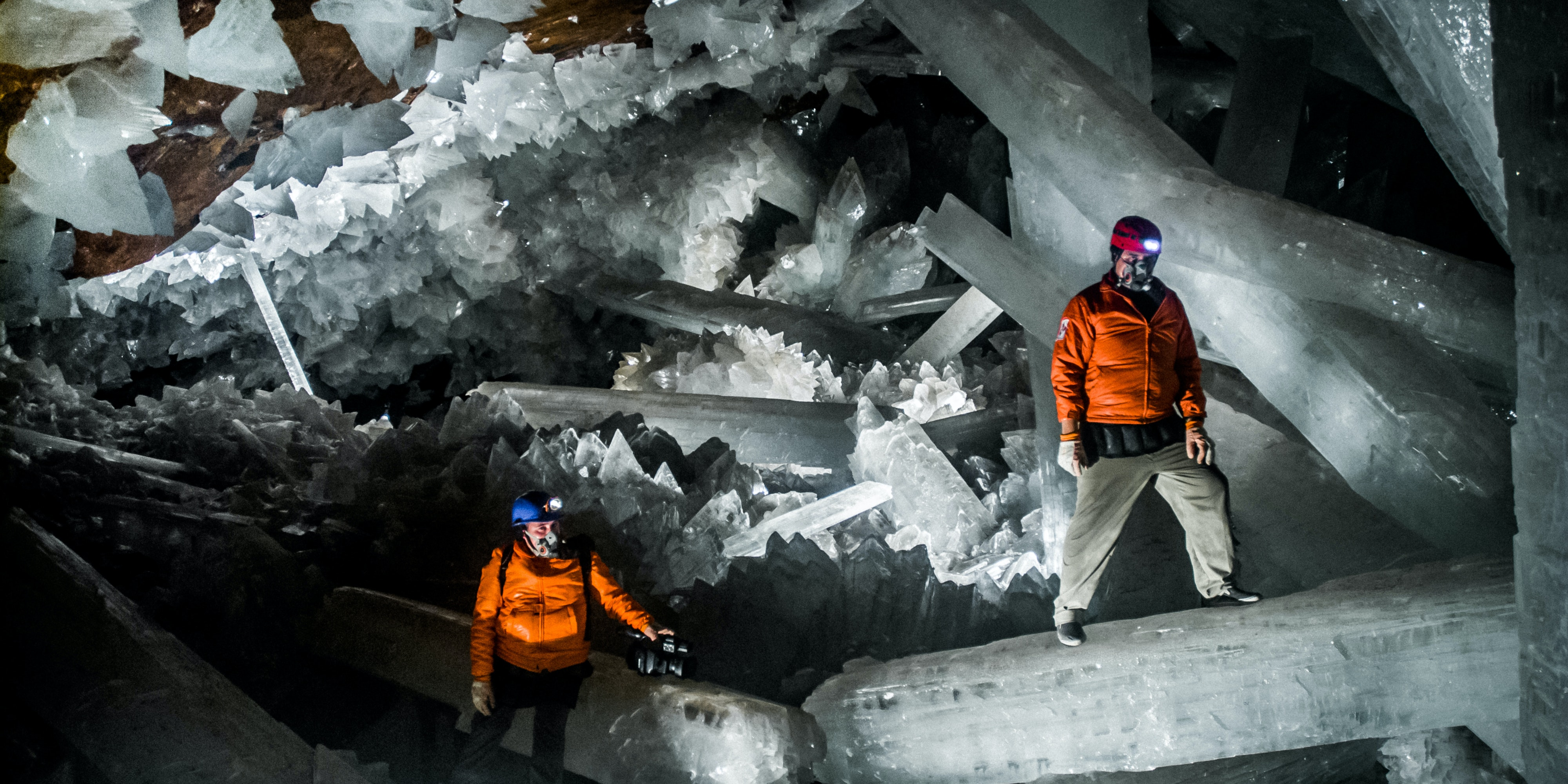 Strange Microbes Trapped in Crystals Provide Clues About Alien Life