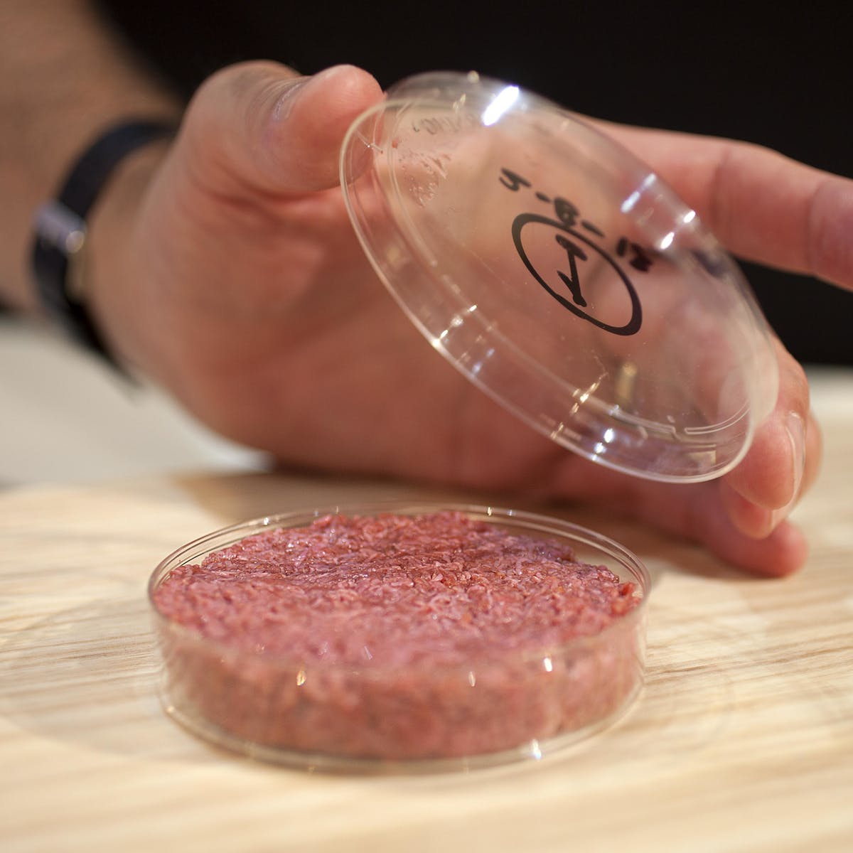 Move Over, Impossible Burger: Lab-Grown Meat Will Overtake Plants by 2040