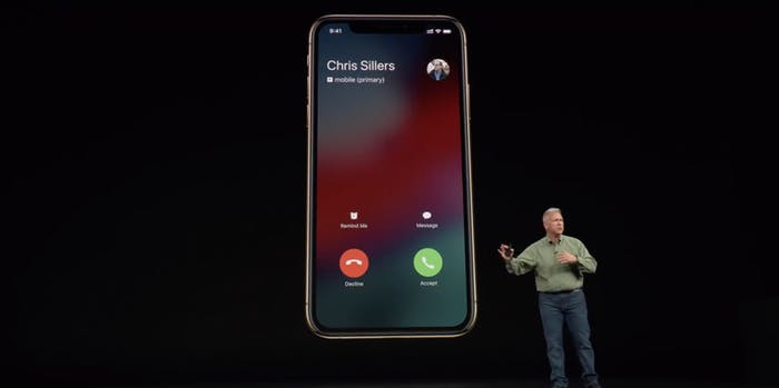 iPhone XS dual SIM in action