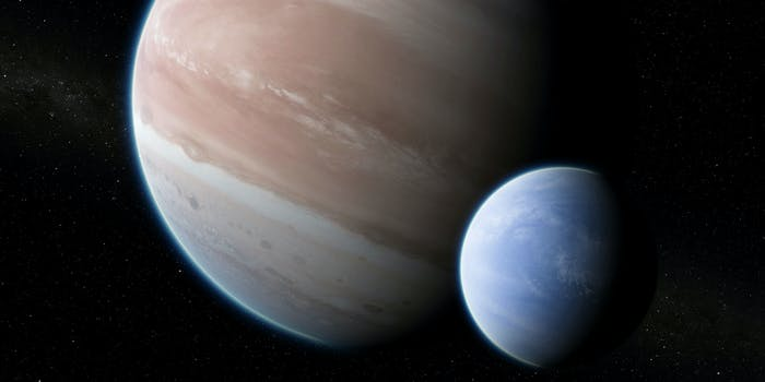 Artist's rendering of Kepler-1625b with its large hypothesized moon.