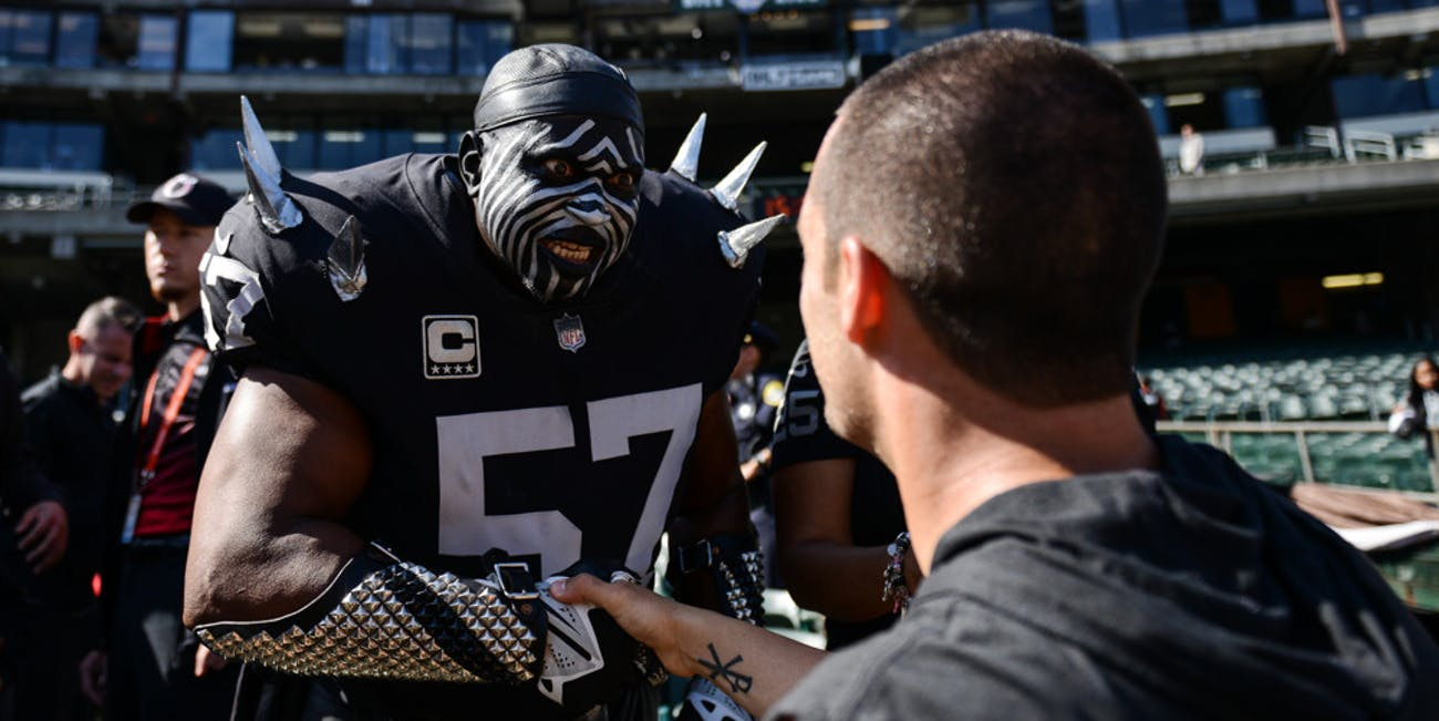 p.p1 {margin: 0.0px 0.0px 0.0px 0.0px; font: 18.0px Georgia}    Oakland Raiders Quarterback Derek Carr (4) greets fans during the NFL football game between the Cleveland Browns and the Oakland Raiders on September 30, 2018, at the Oakland Alameda Coliseum in Oakland, CA.