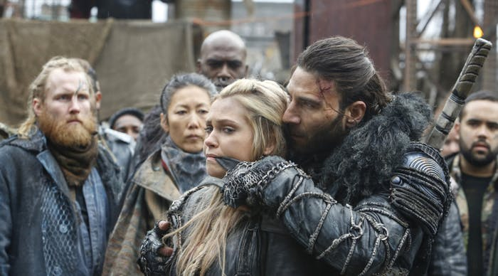 Eliza Taylor and Zach McGowan