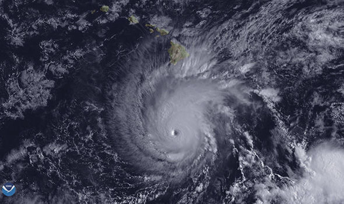 Satellite image of Hurricane Lane approaching Hawaii.