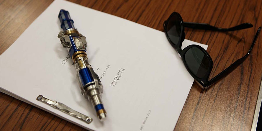 The 12th Doctor's Sonic screwdriver and sonic glasses