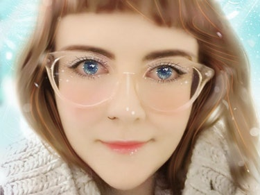 The Meitu App Turns You Into a Sparkling, Glowing Illustration