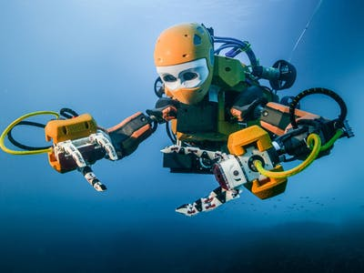 Watch Stanford's Humanoid Diving Robot OceanOne Explore a 17th-Century Shipwreck