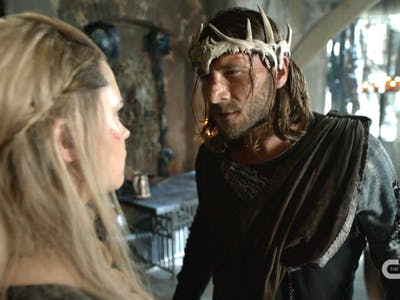 Why King Roan Is the Leader 'The 100' Season 4 Needs