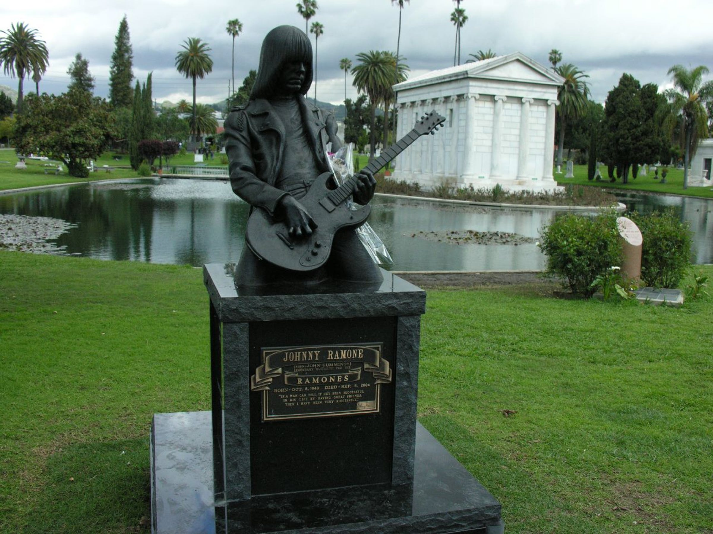 Johnny Ramone - Hollywood Forever Cemetary