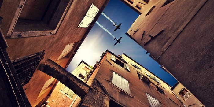 airplanes over nyc
