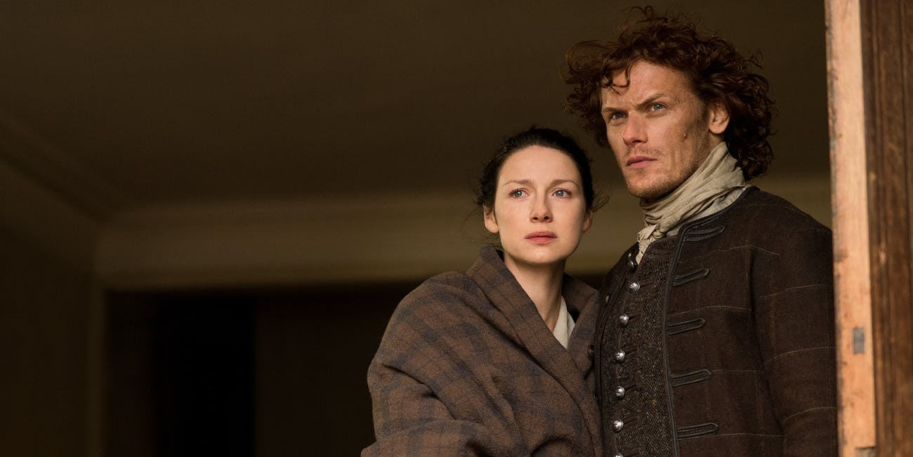 Caitriona Balfe and Sam Heughan in 'Outlander'