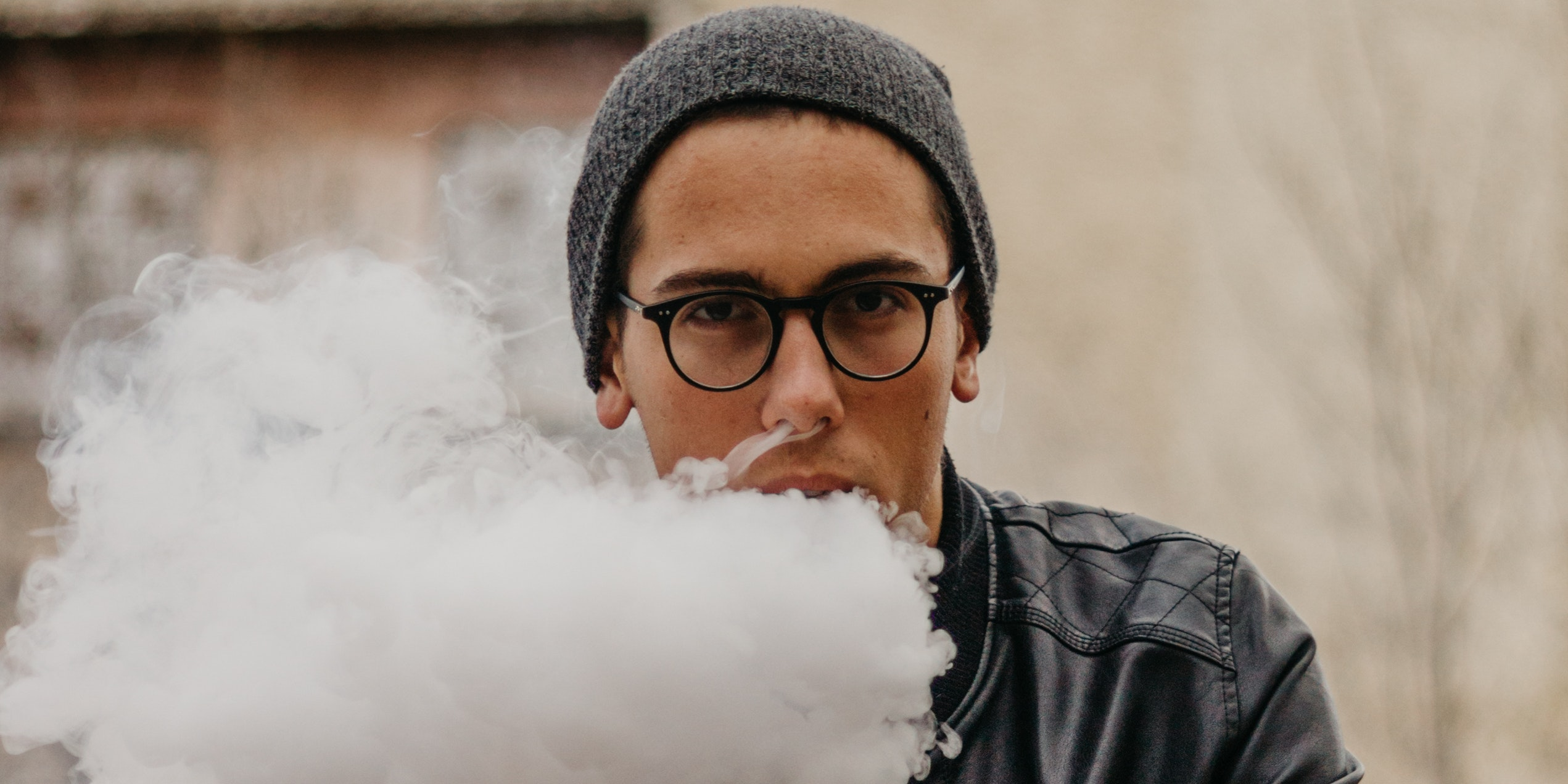 Vaping Introduces DNA-Damaging Chemicals Into Mouth Cells in New Study