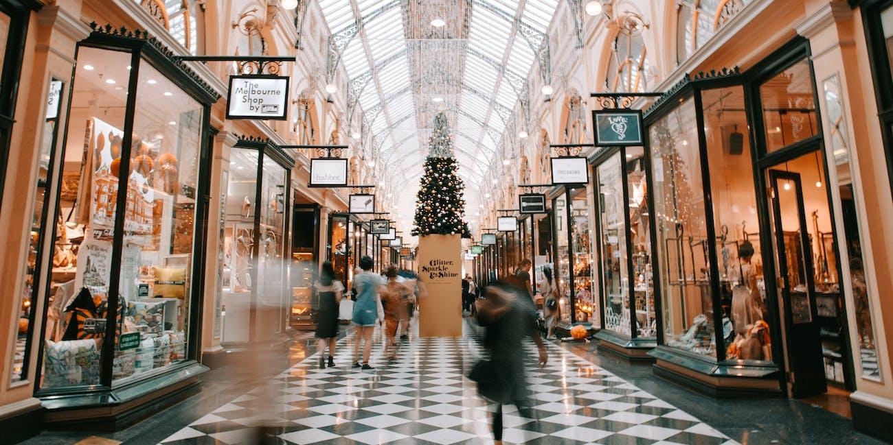 shopping online offline brick mortar