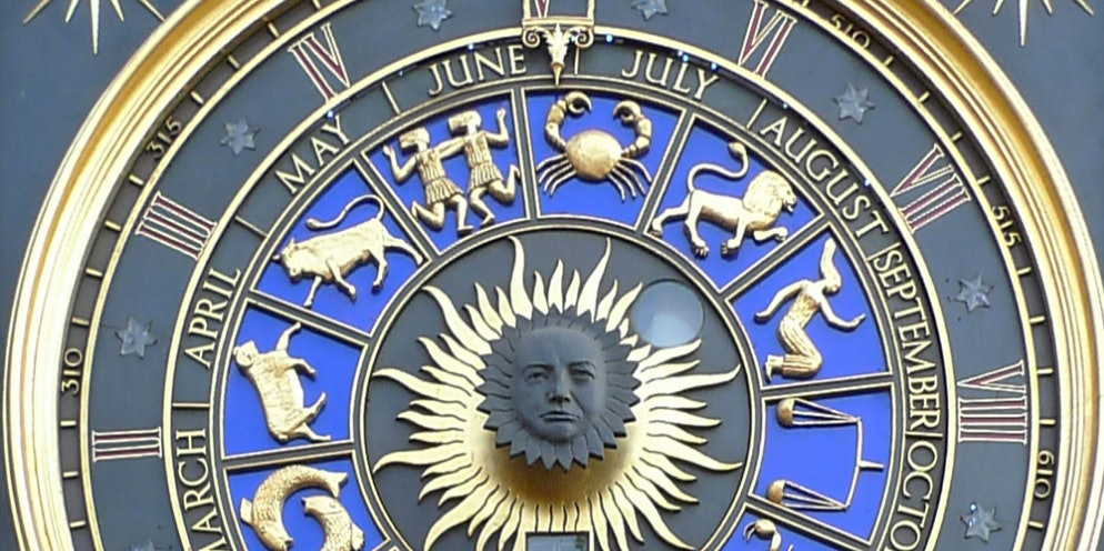 Astrologers want to figure out Hillary Clinton's birth chart.