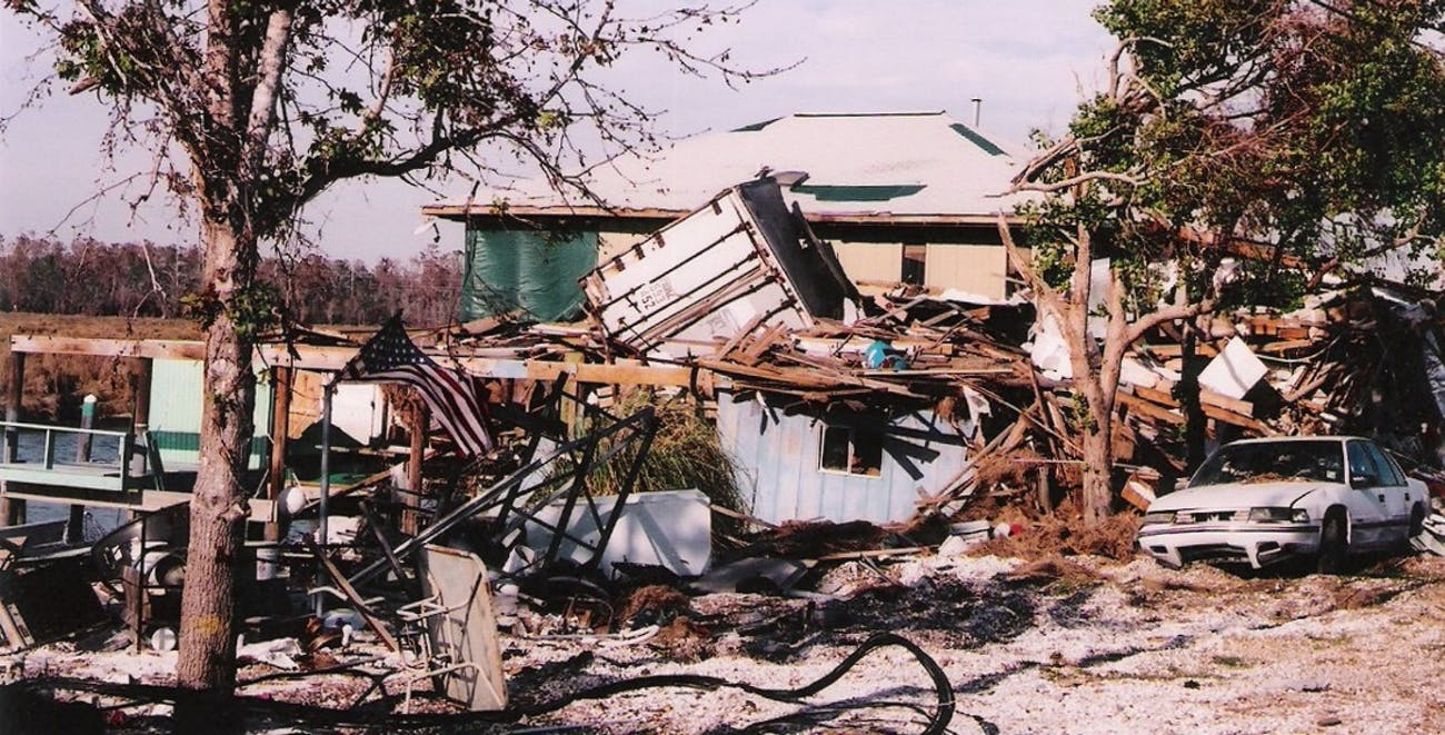 Hurricane Katrina photos - Slidell - Home with Container on Roof