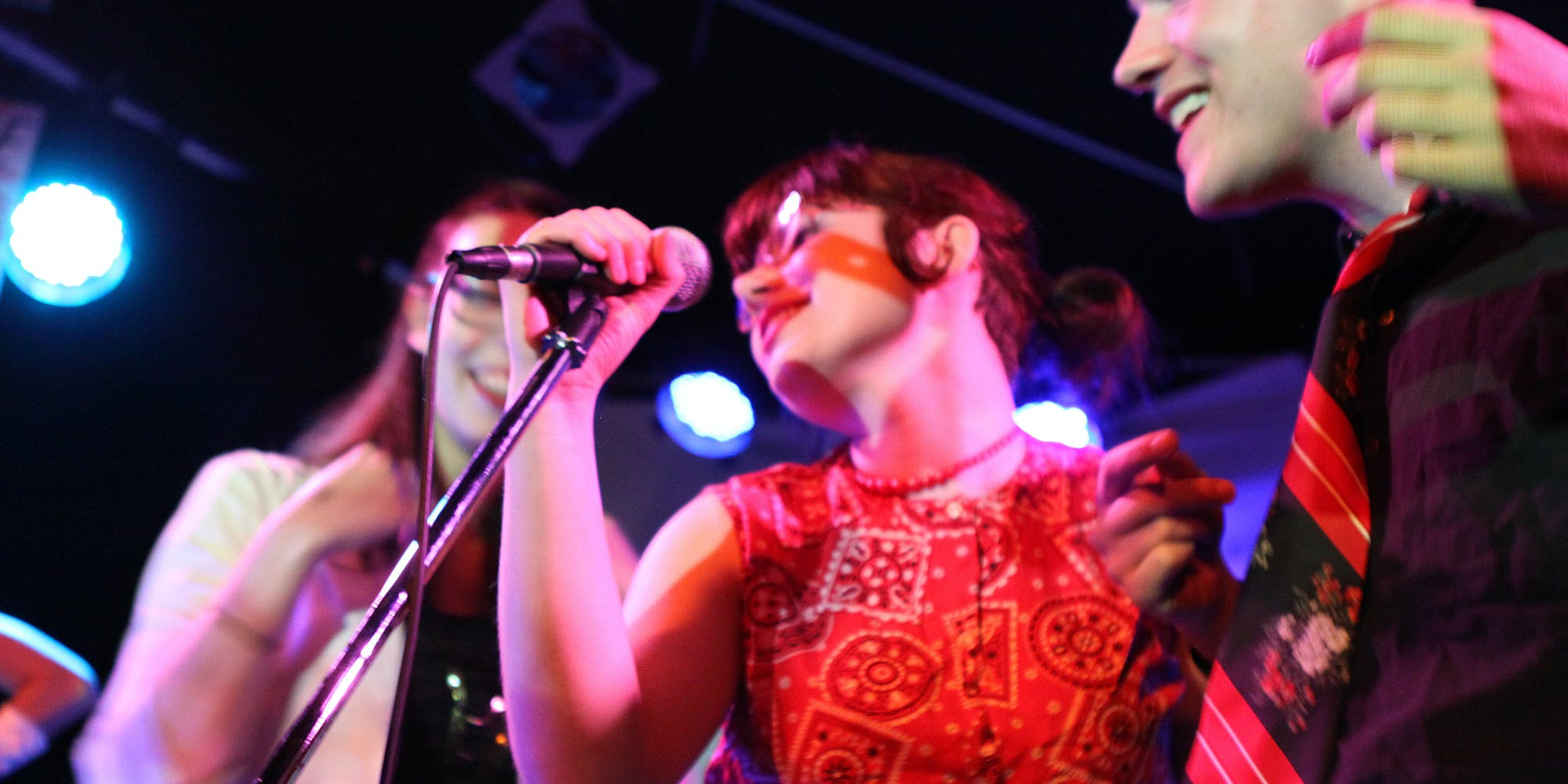 Science: If You Want to Build Relationships, Do Karaoke