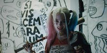 What Was up with 'Suicide Squad's' Harley Quinn-Batman Kiss?
