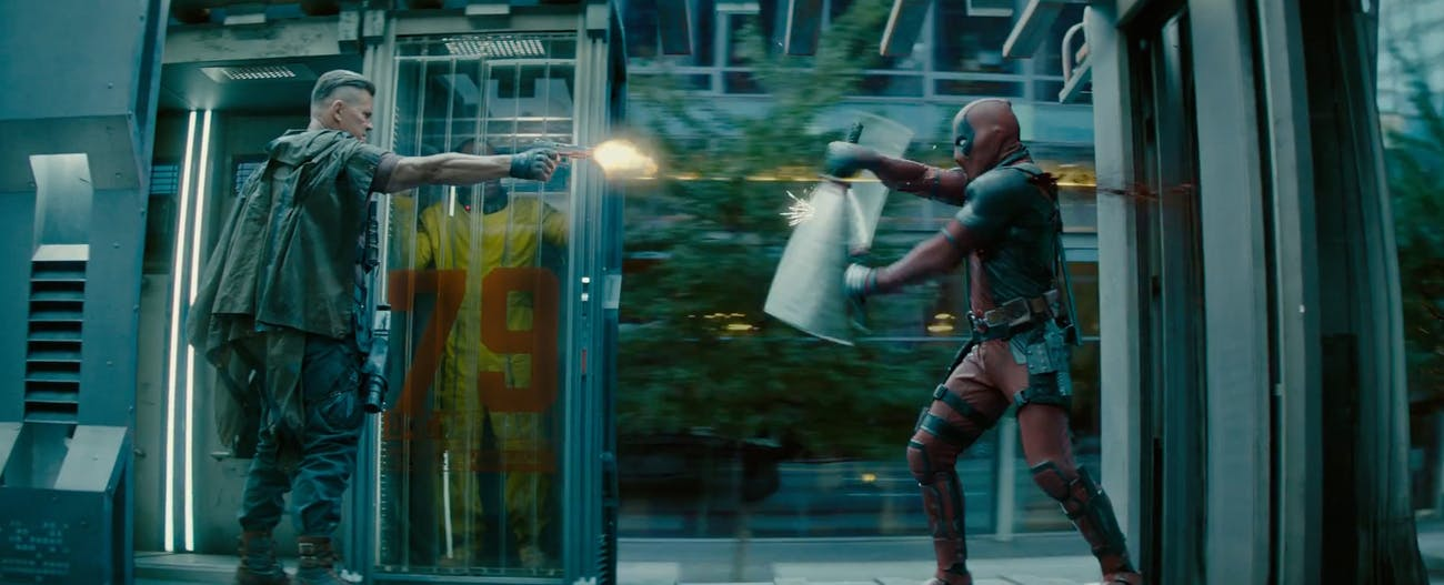 Deadpool fights Cable in 'Deadpool 2.'