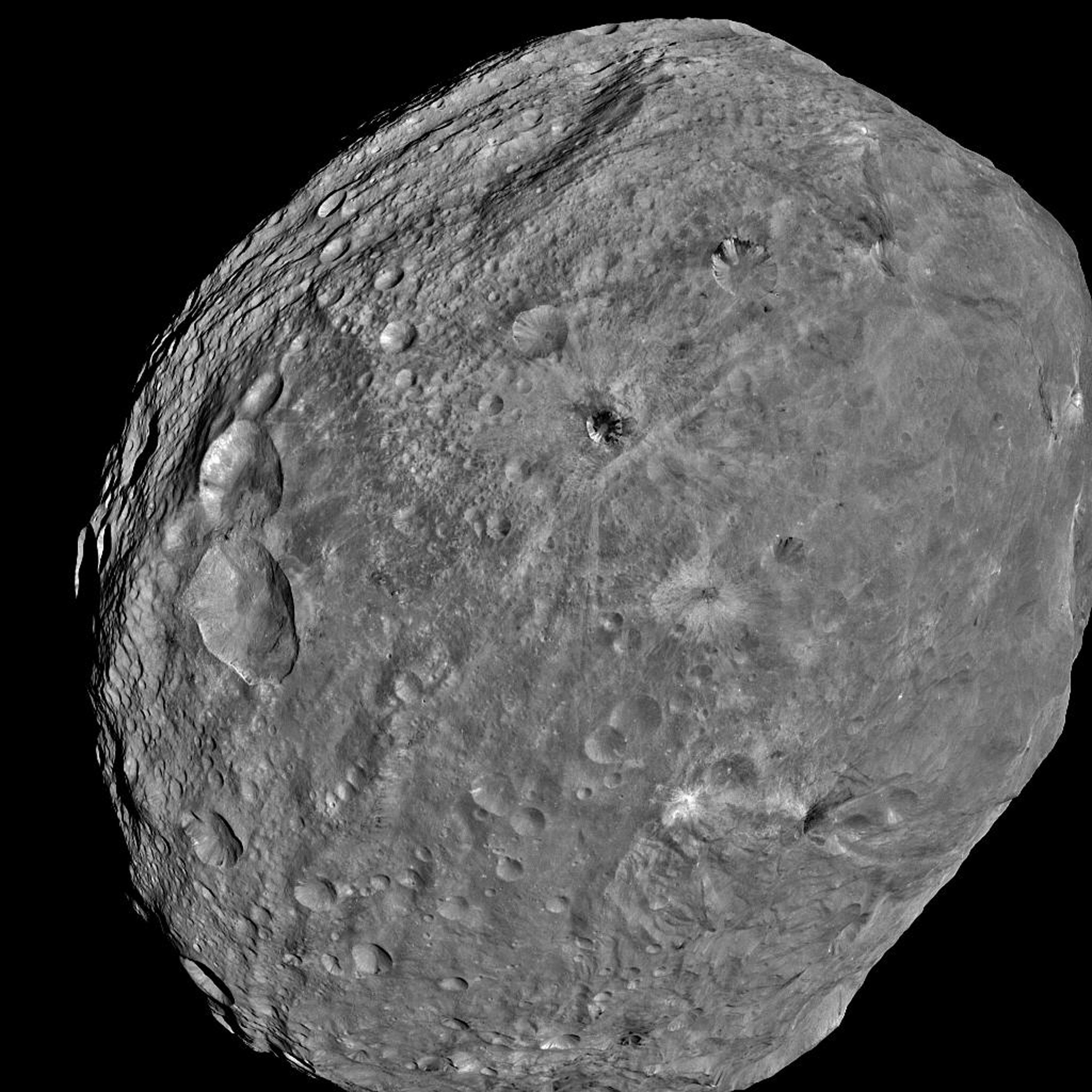 A Newly Discovered Asteroid Just Passed Very Close to Earth