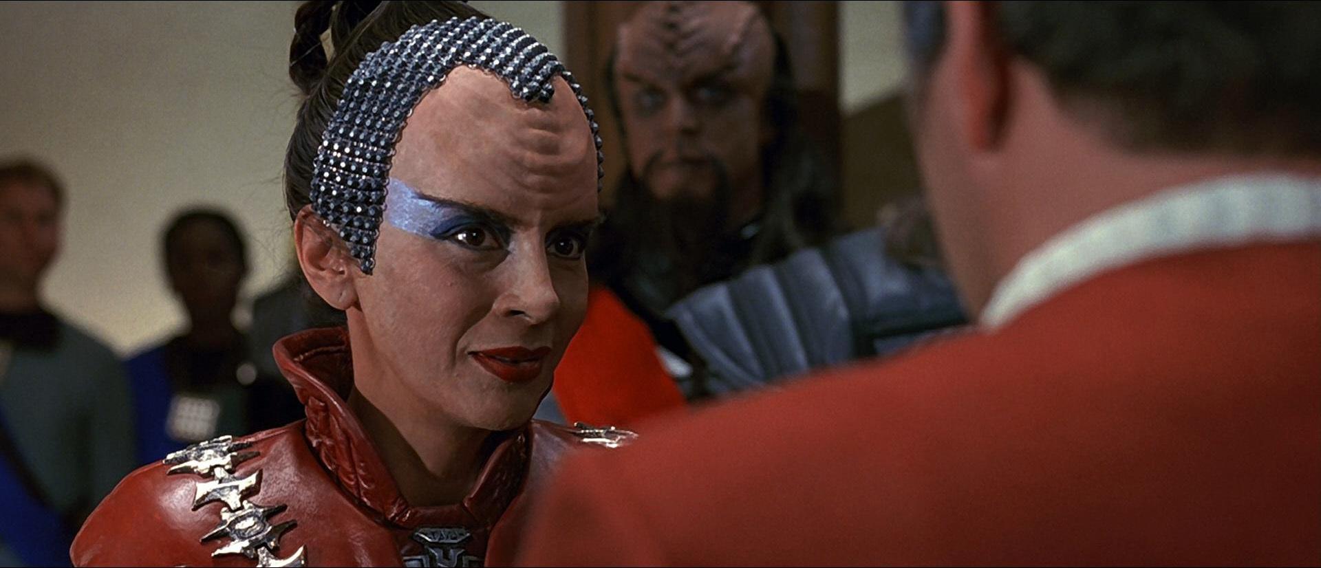 The Klingons make nice with Captain Kirk.