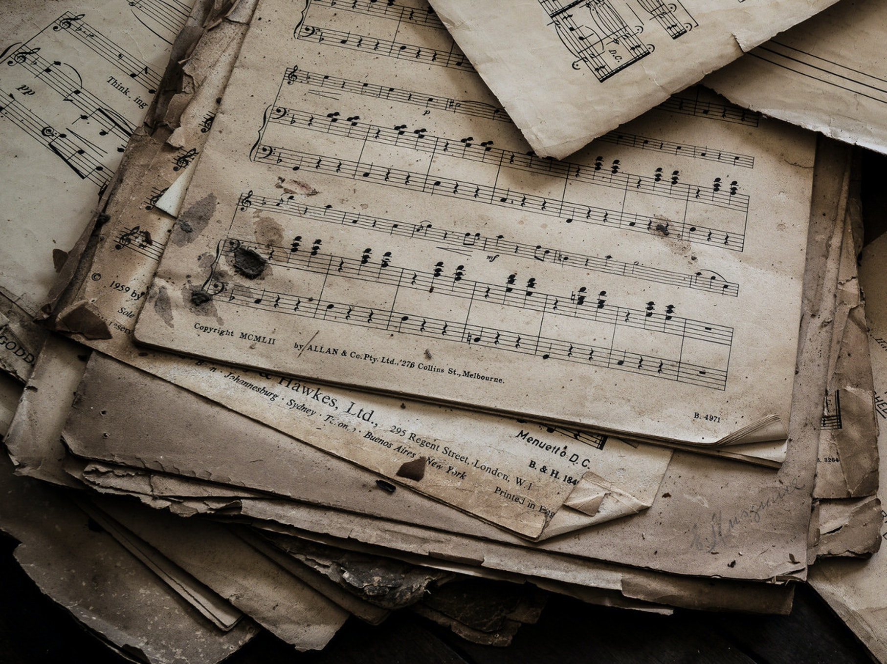 Can Classical Music Escape Sheet Music? Only If Tablets Can Keep Tempo