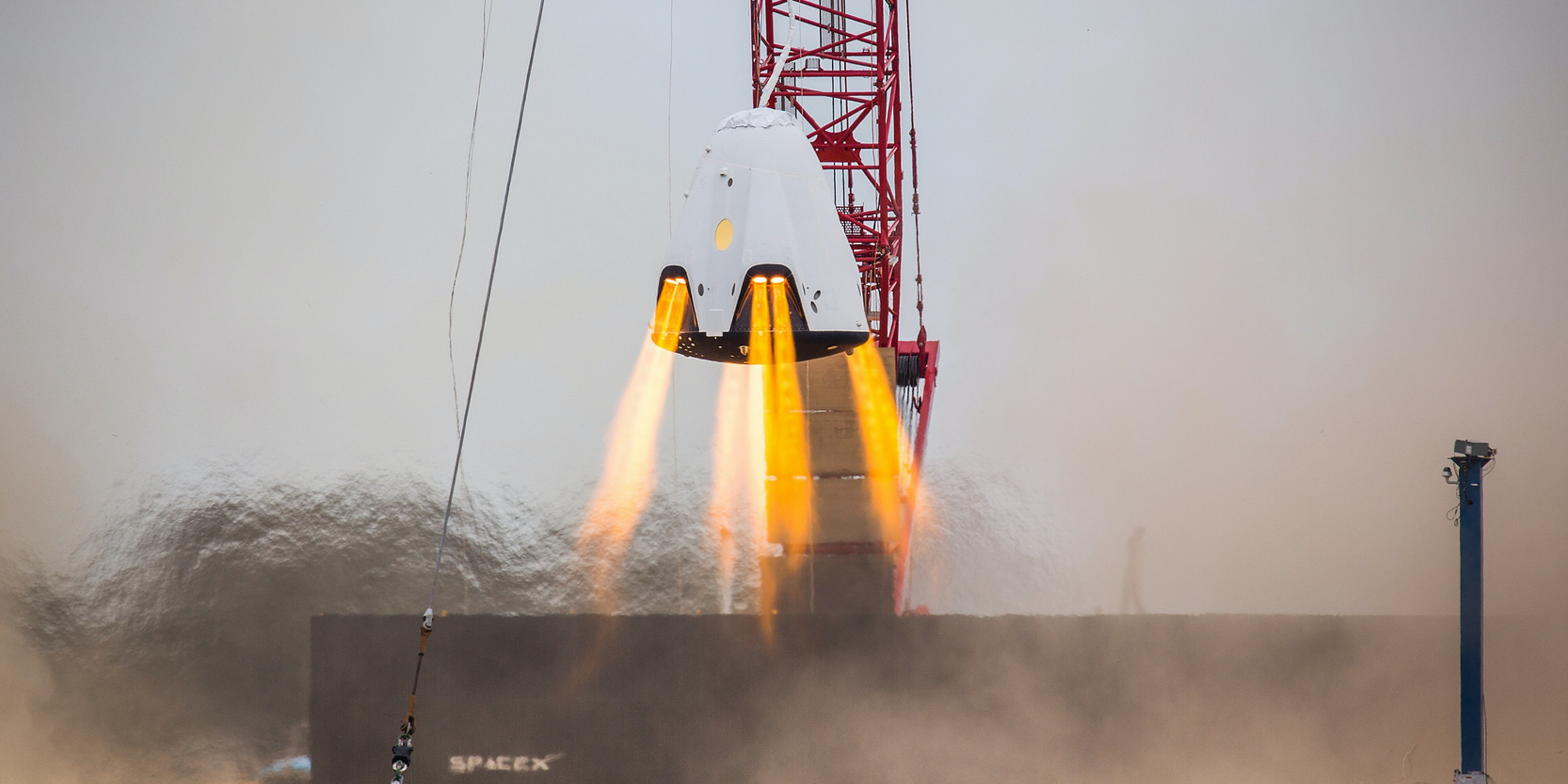 Watch SpaceX's Dragon 2 Hover Over Ground