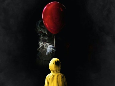 Terrifying New Image of Pennywise Emerges From 'It' Movie Set