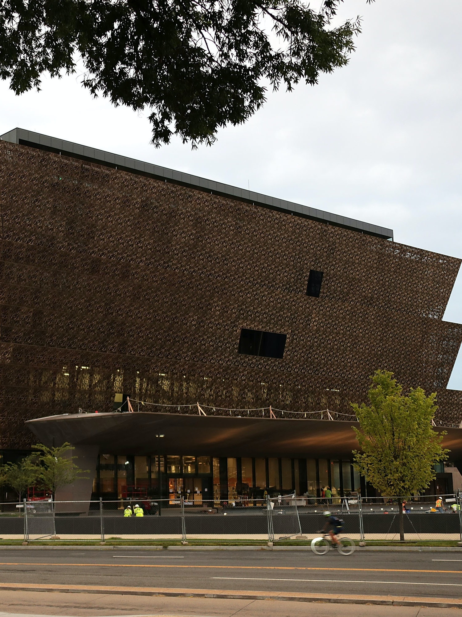 This is a picture of the exterior of the National Museum of African American History and Culture.
