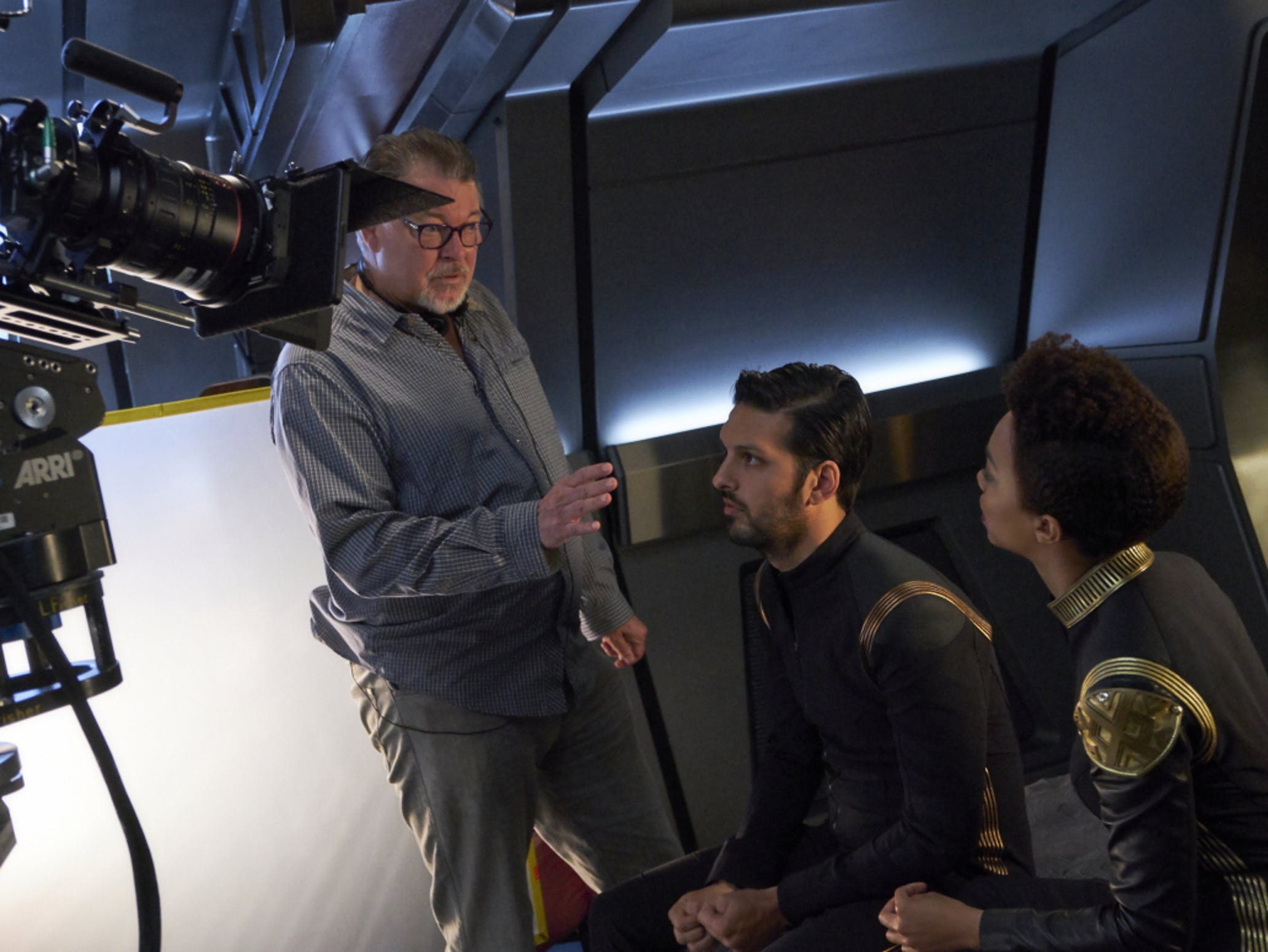 Jonathan Frakes directing Shazad Latif and Sonequa Martin-Green in 'Star Trek: Discovery.'