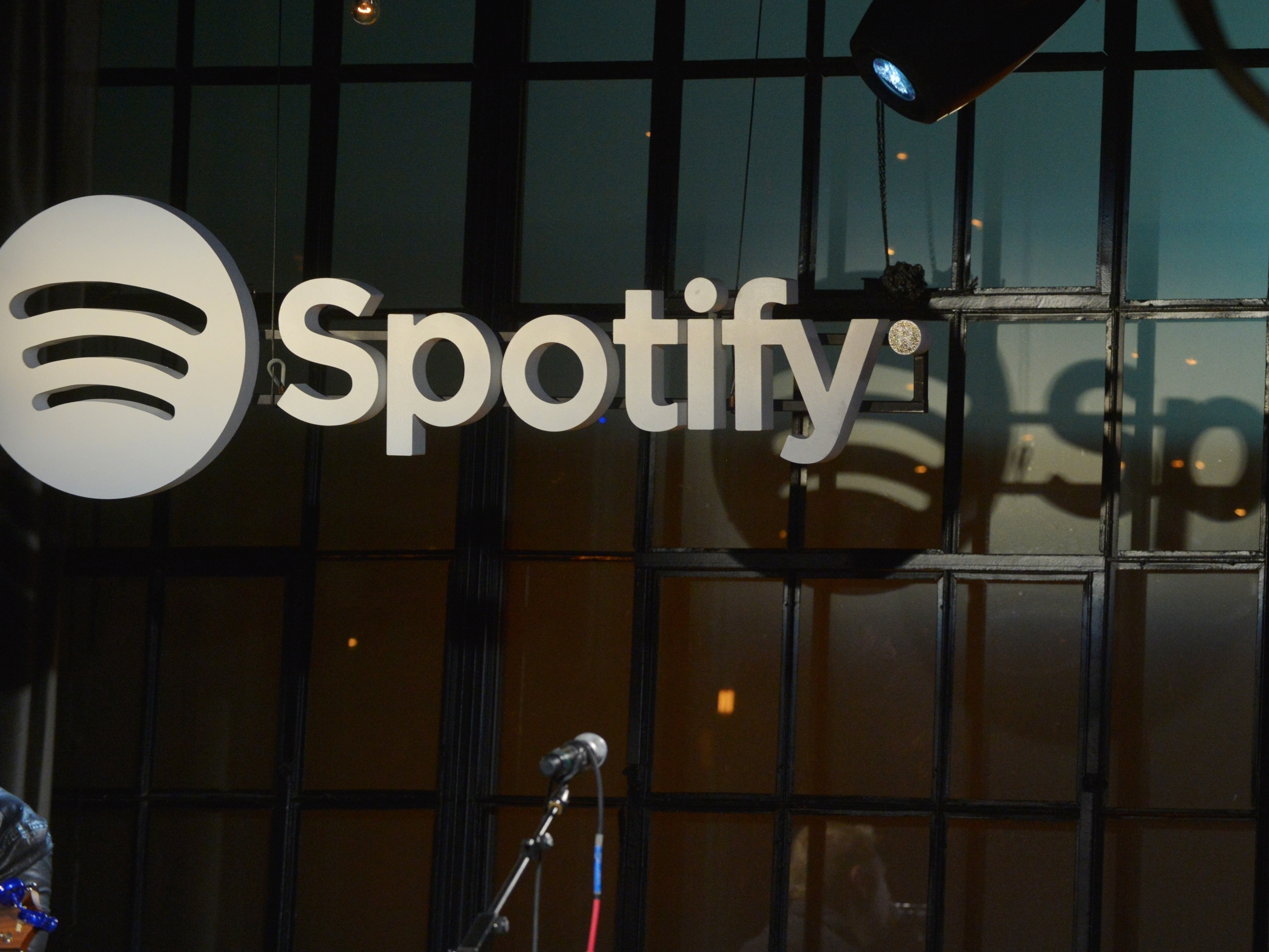 How to Save Spotify Playlists for Offline Listening
