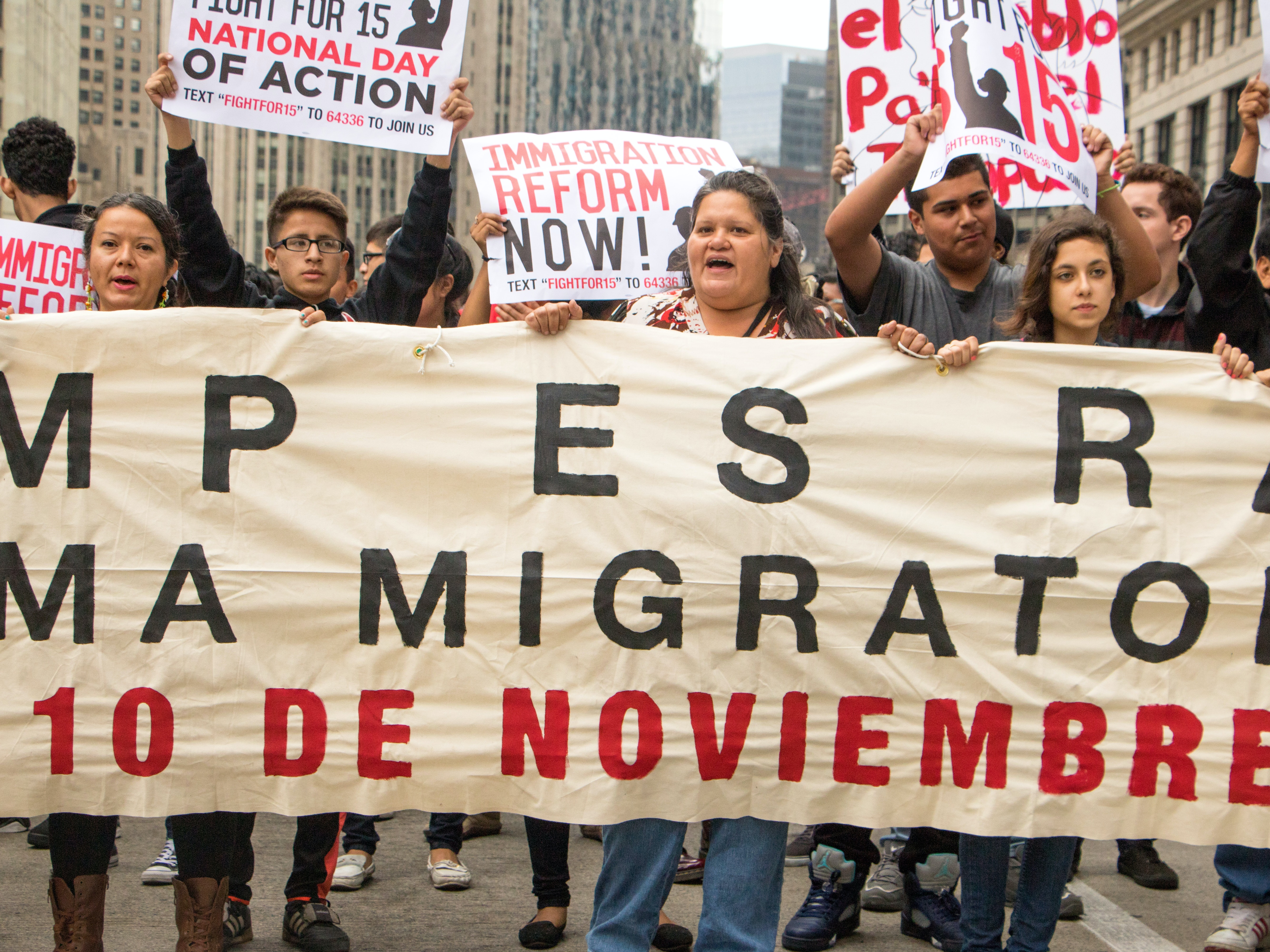 Fight for $15 leads a youth march for immigration reform