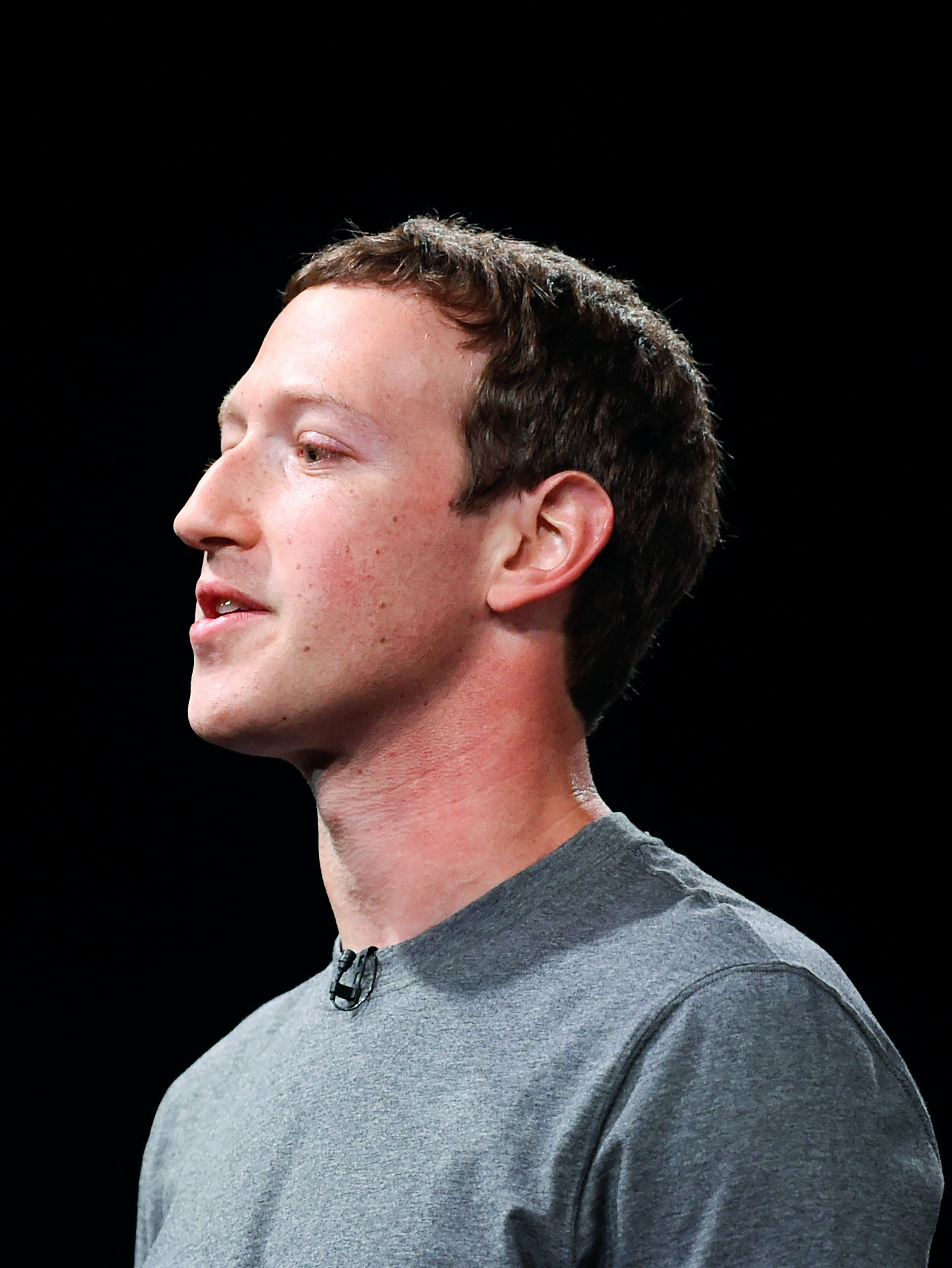 BARCELONA, SPAIN - FEBRUARY 21:  Founder and CEO of Facebook Mark Zuckerber gives his speach during the presentation of the new Samsung Galaxy S7 and Samsung Galaxy S7 edge on February 21, 2016 in Barcelona, Spain. The annual Mobile World Congress will start tomorrow February 22 hosting some of the world's largst communication companies, with many unveiling their last phones and gadgets.  (Photo by David Ramos/Getty Images)