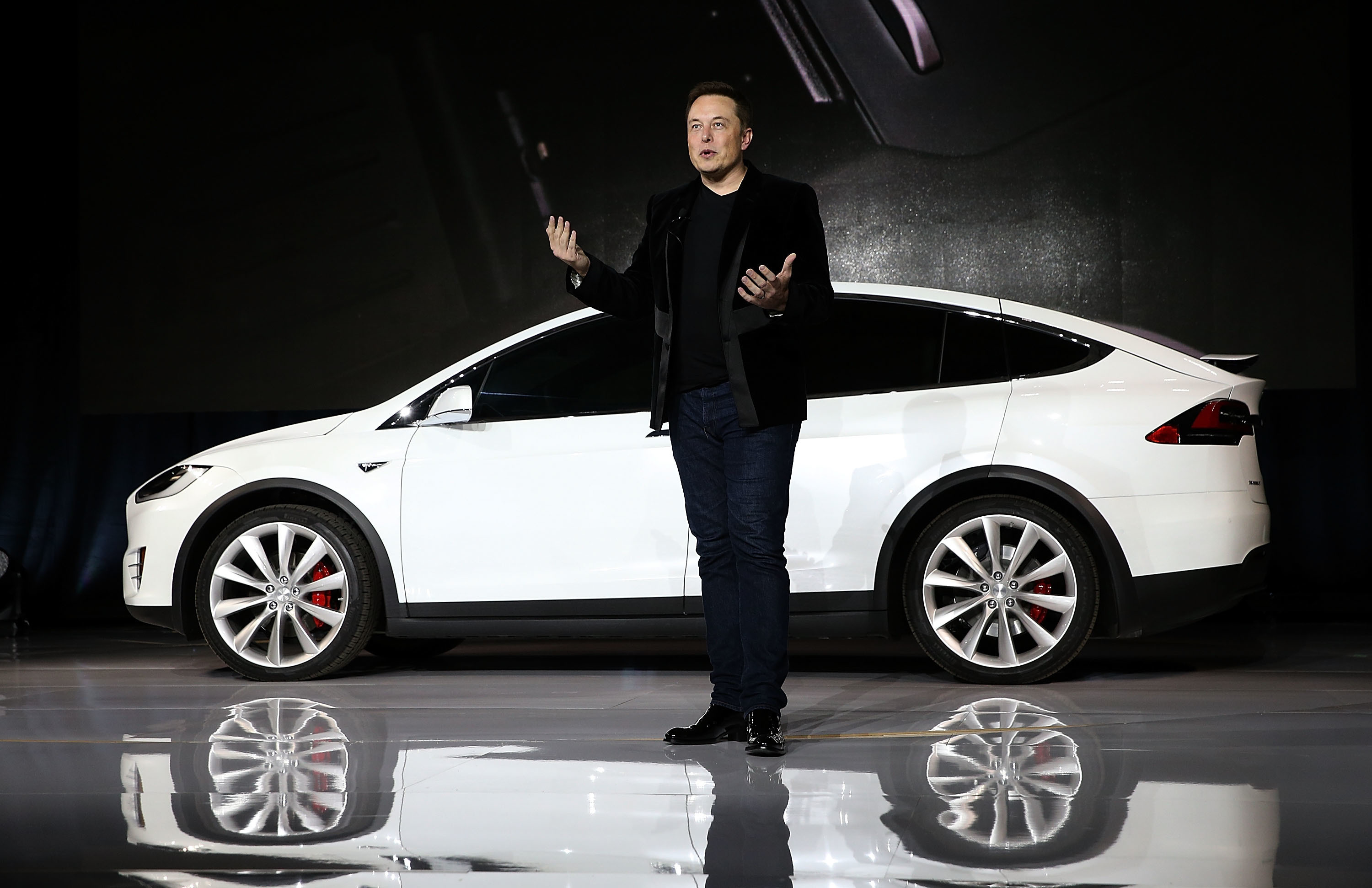 Tesla CEO Elon Musk Autonomy Won t Dramatically Change Interior