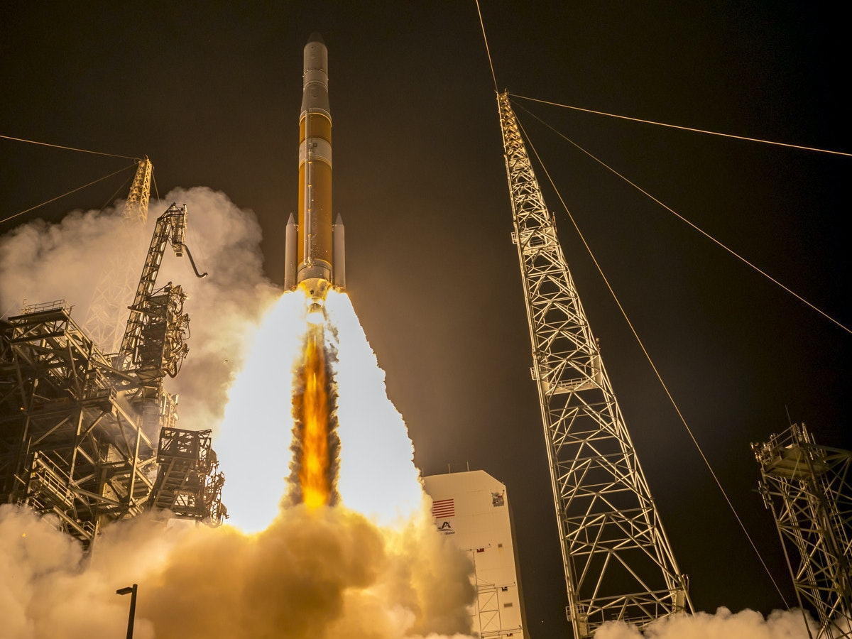 This 16-Year-Old Perfectly Captured a Delta IV Rocket Launch