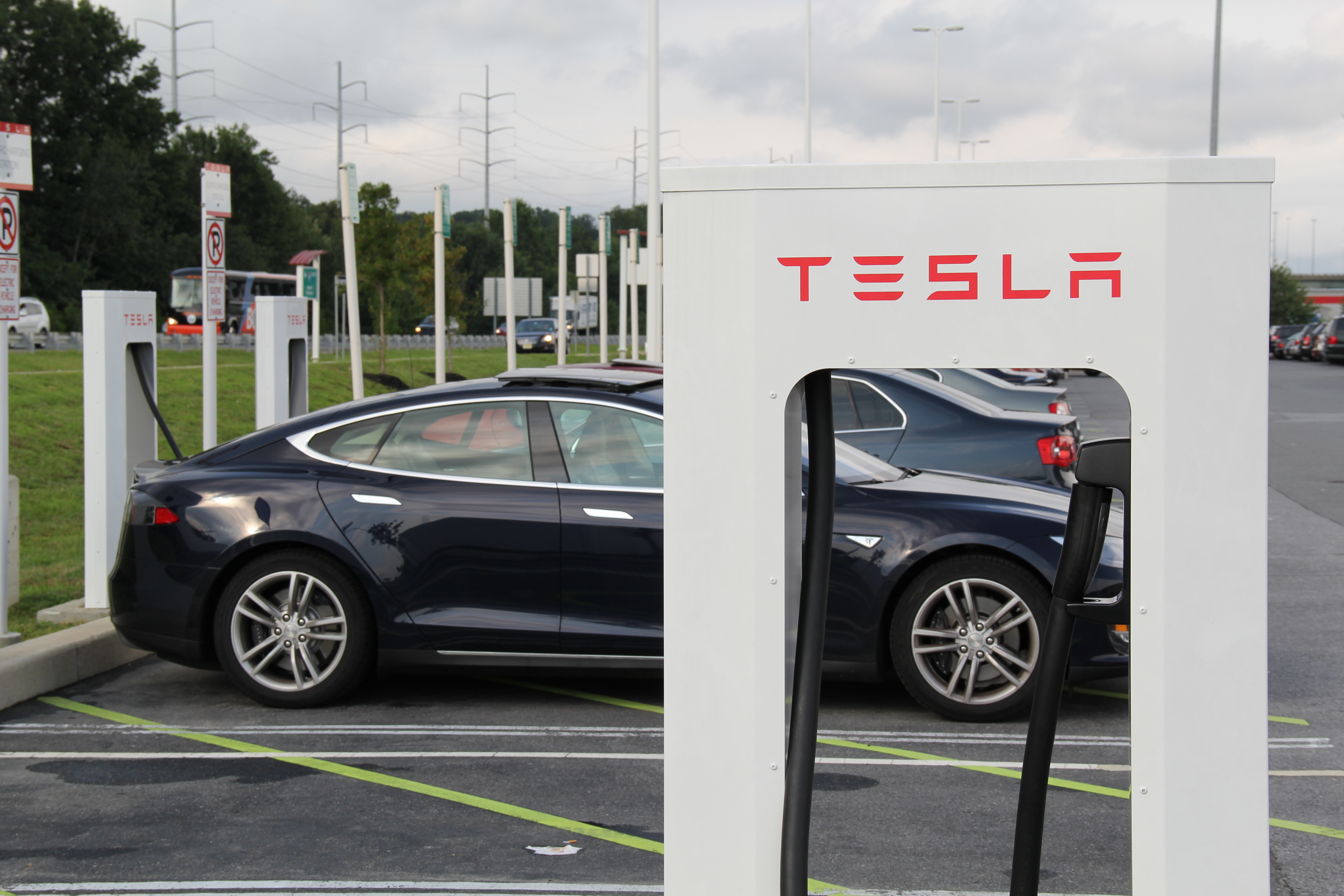 Tesla Just Announced a Smart Update for Its Superchargers
