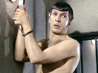Naked Spock Beats Down the Borg in 'Star Trek Boldly Go' #4