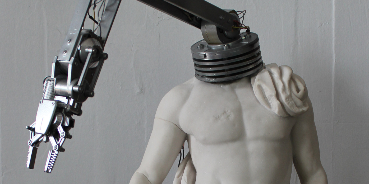 "Genco Gulan's ""Hello,"" a sculpture depicting classical robotics."