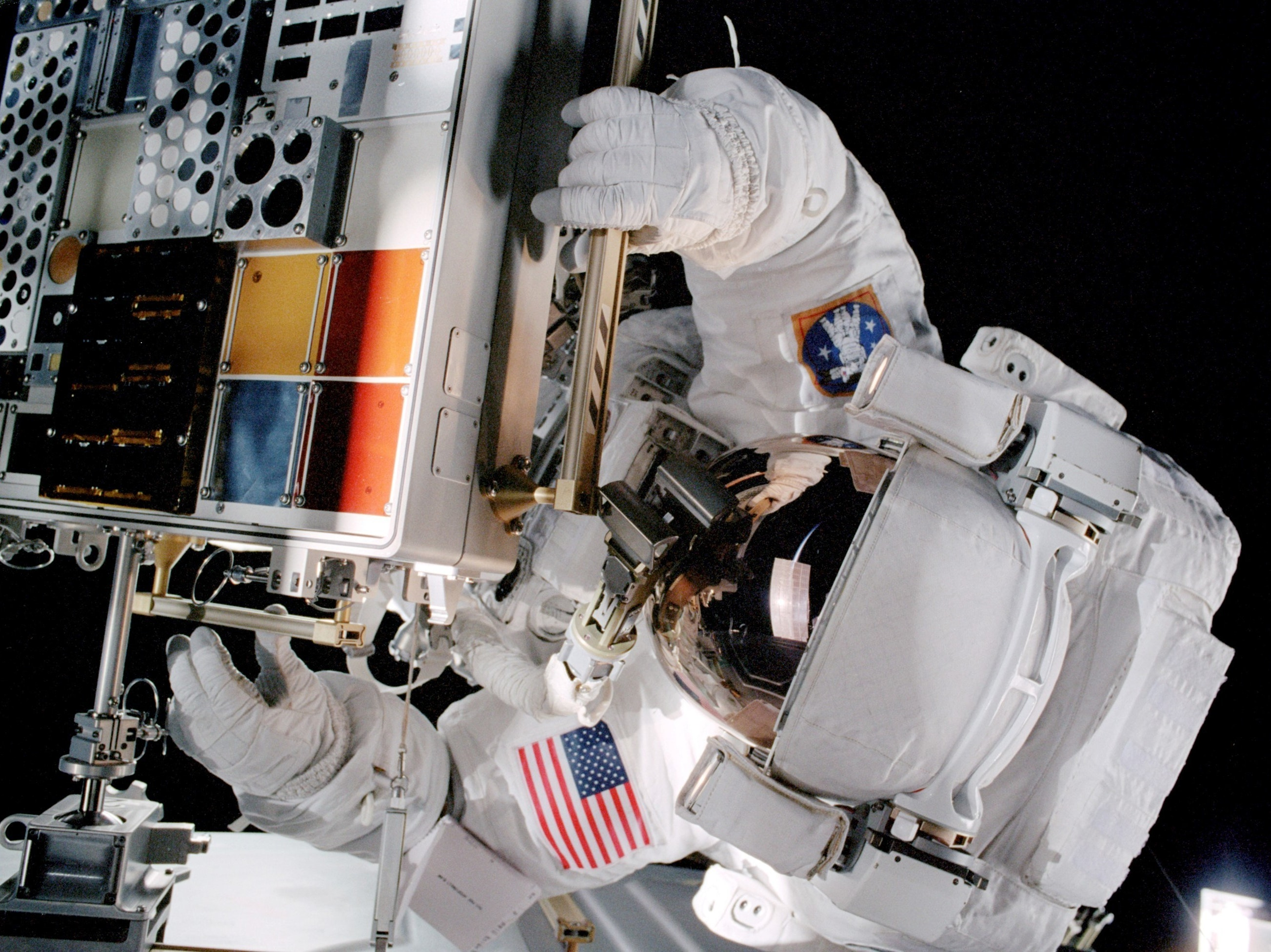 Here's Why Astronauts Eyeballs Inexpcliably Flatten in Space