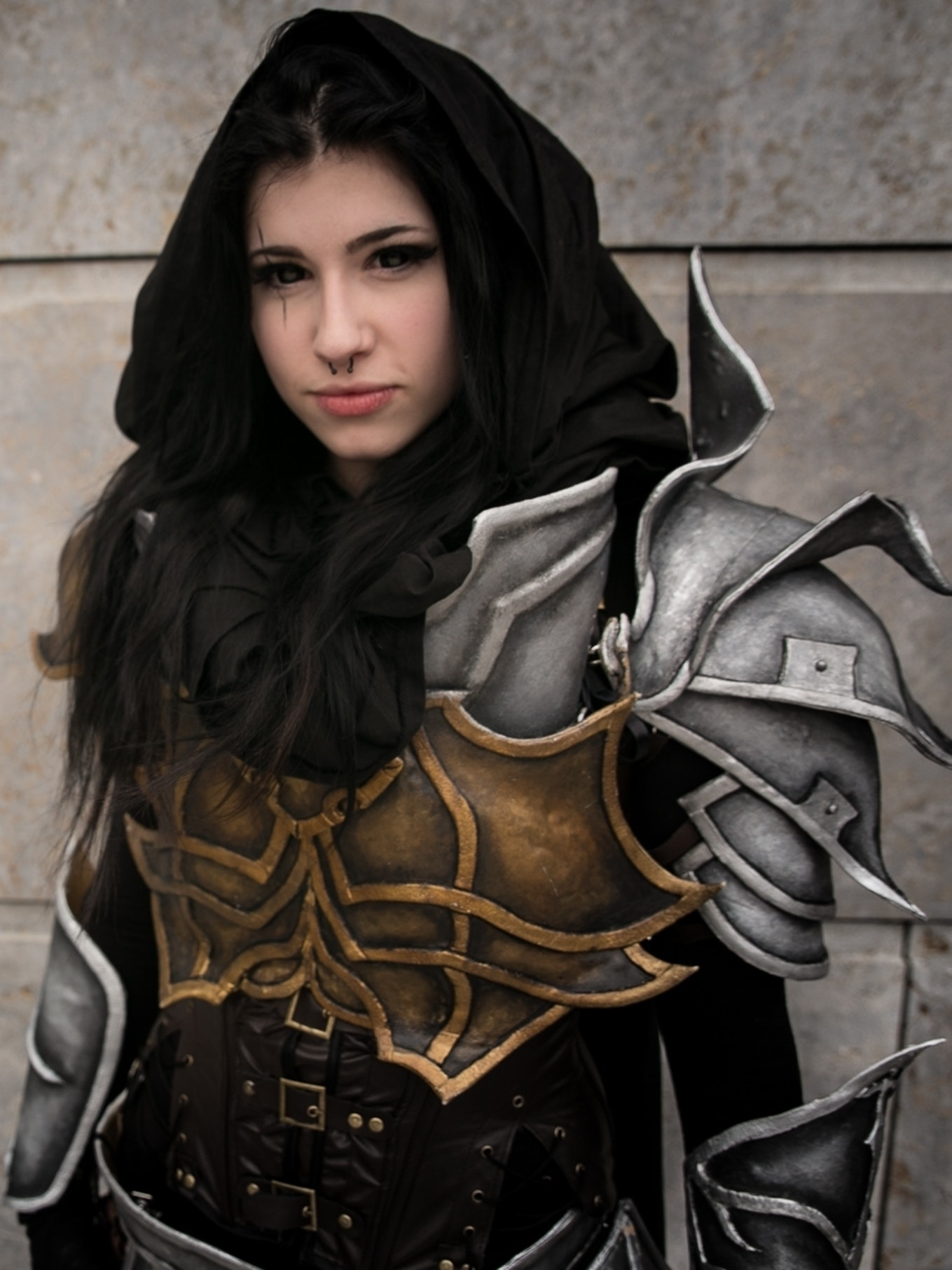 Annika Heip as Demon Hunter, wearing her self made costume with worbla armour, Photographer: Dartura/ThisMomentPictures