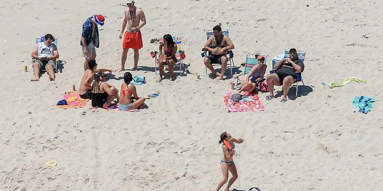 chris christie caught beach