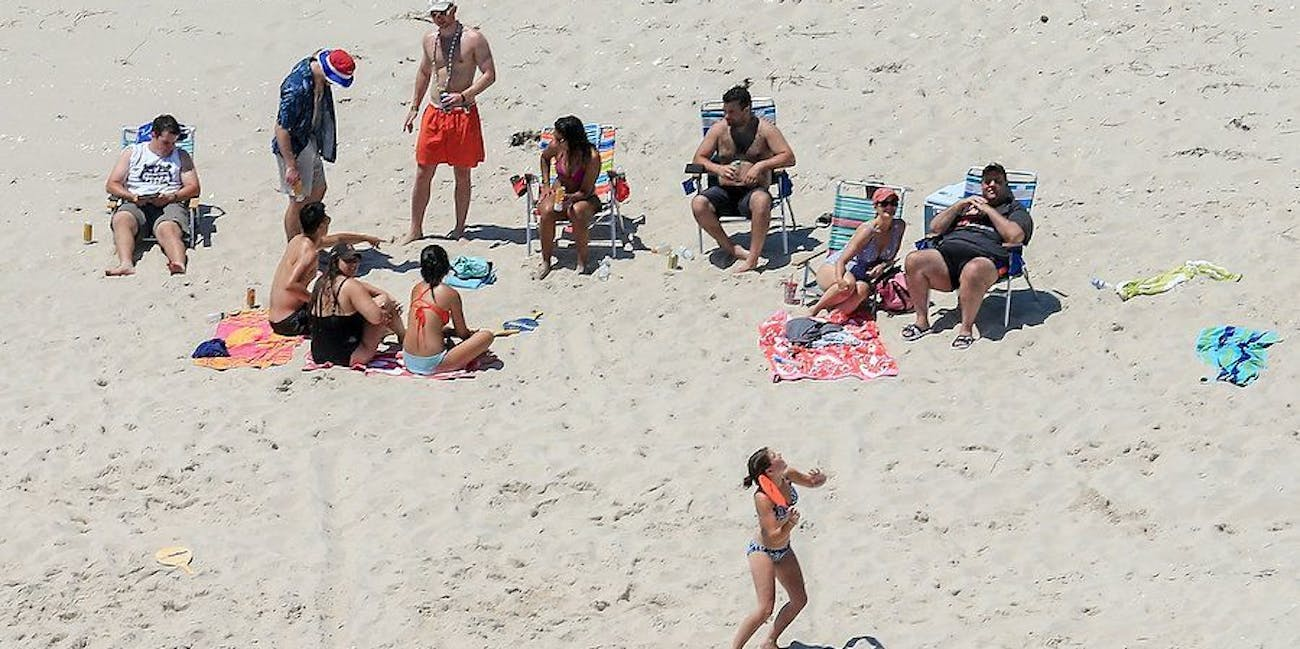 chris christie caught beach