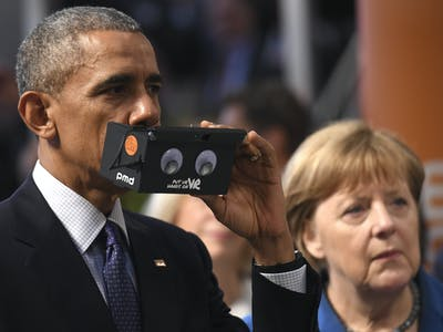 Obama Was Amazed at His First Experience With a Virtual Reality Headset