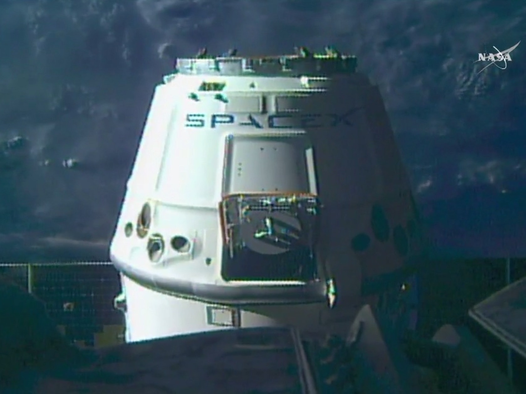 SpaceX Finally Gets its Dragon Vehicle to the Space Station