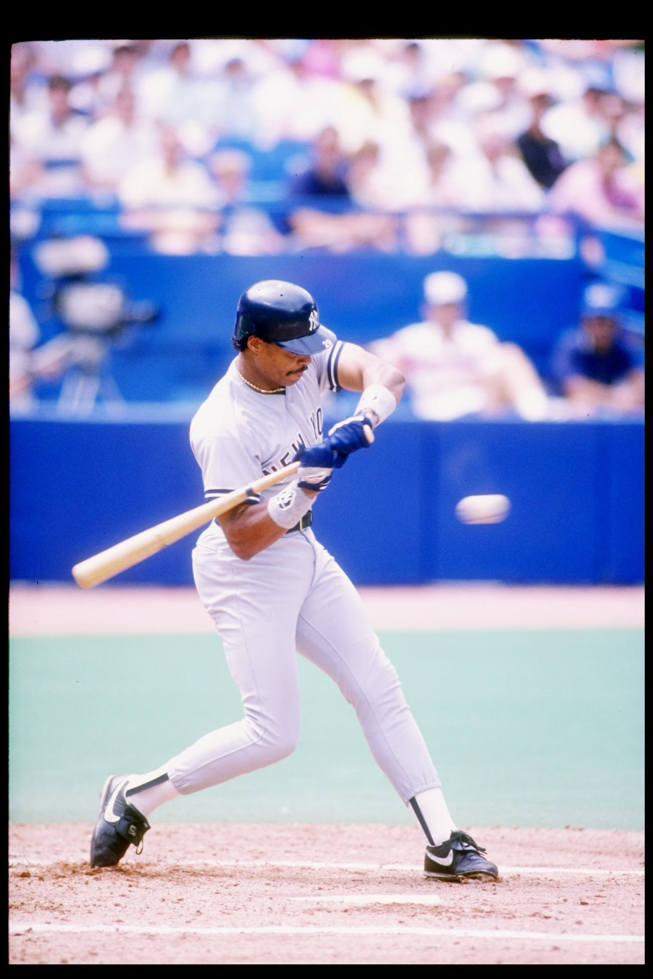 1989: Outfielder Jesse Barfield of the New York Yankees in action during a game. Mandatory Credit: Rick Stewart /Allsport
