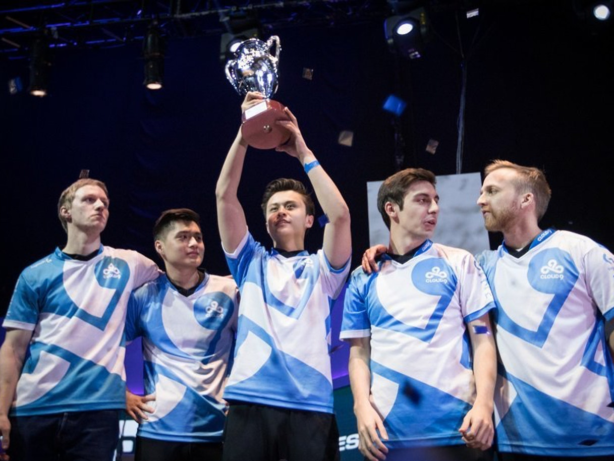 Communal Living Is the Secret Sauce to Esports Success