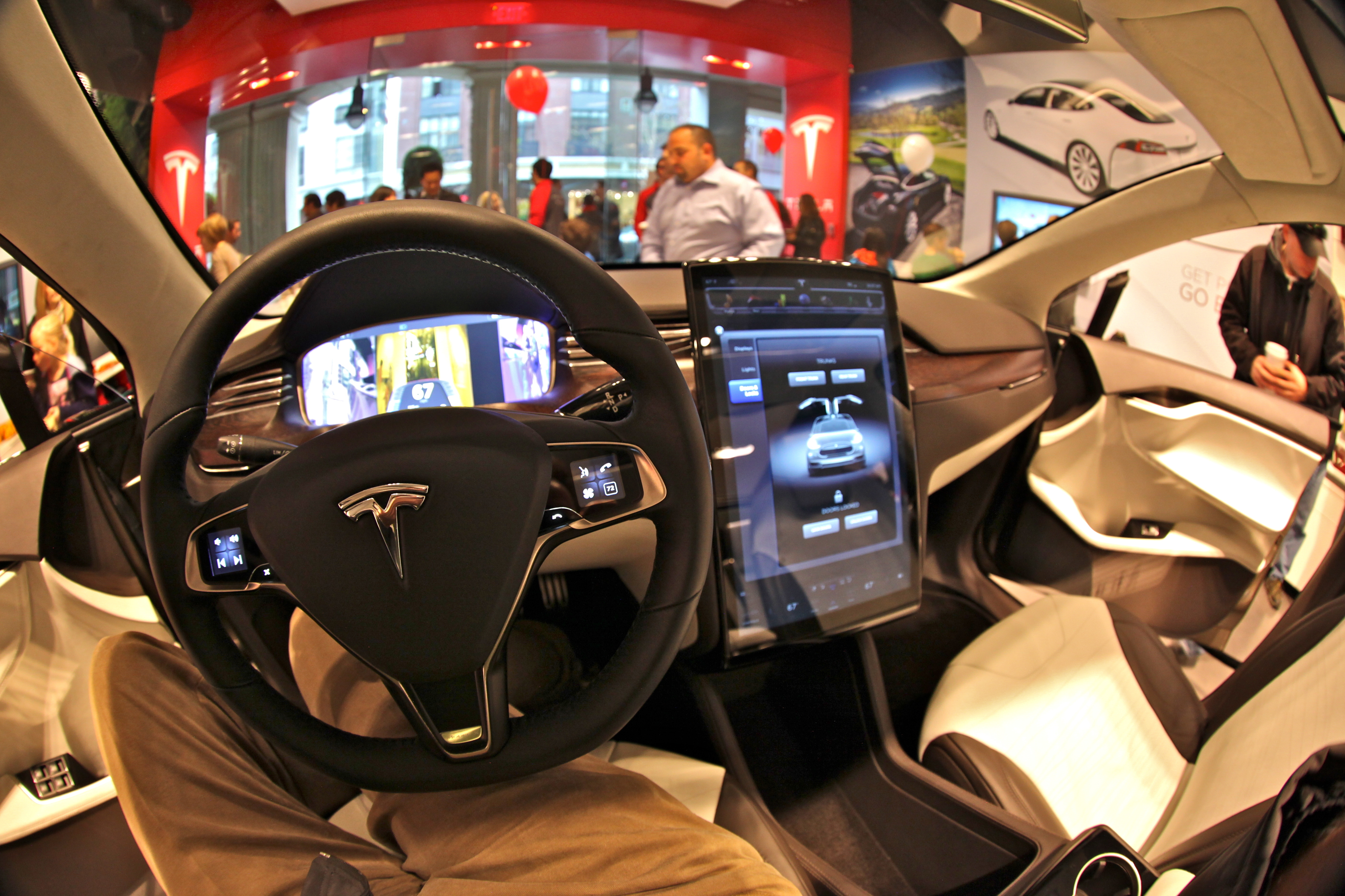 Tesla CEO Elon Musk Autonomy Won t Dramatically Change Interior