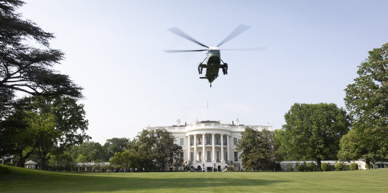 Marine One   May 14, 2018 (Official White House Photo by D. Myles Cullen)