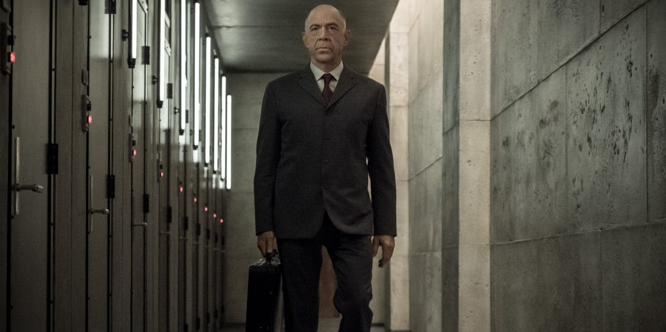 counterpart is a great sci fi spy drama with barely any sci fi