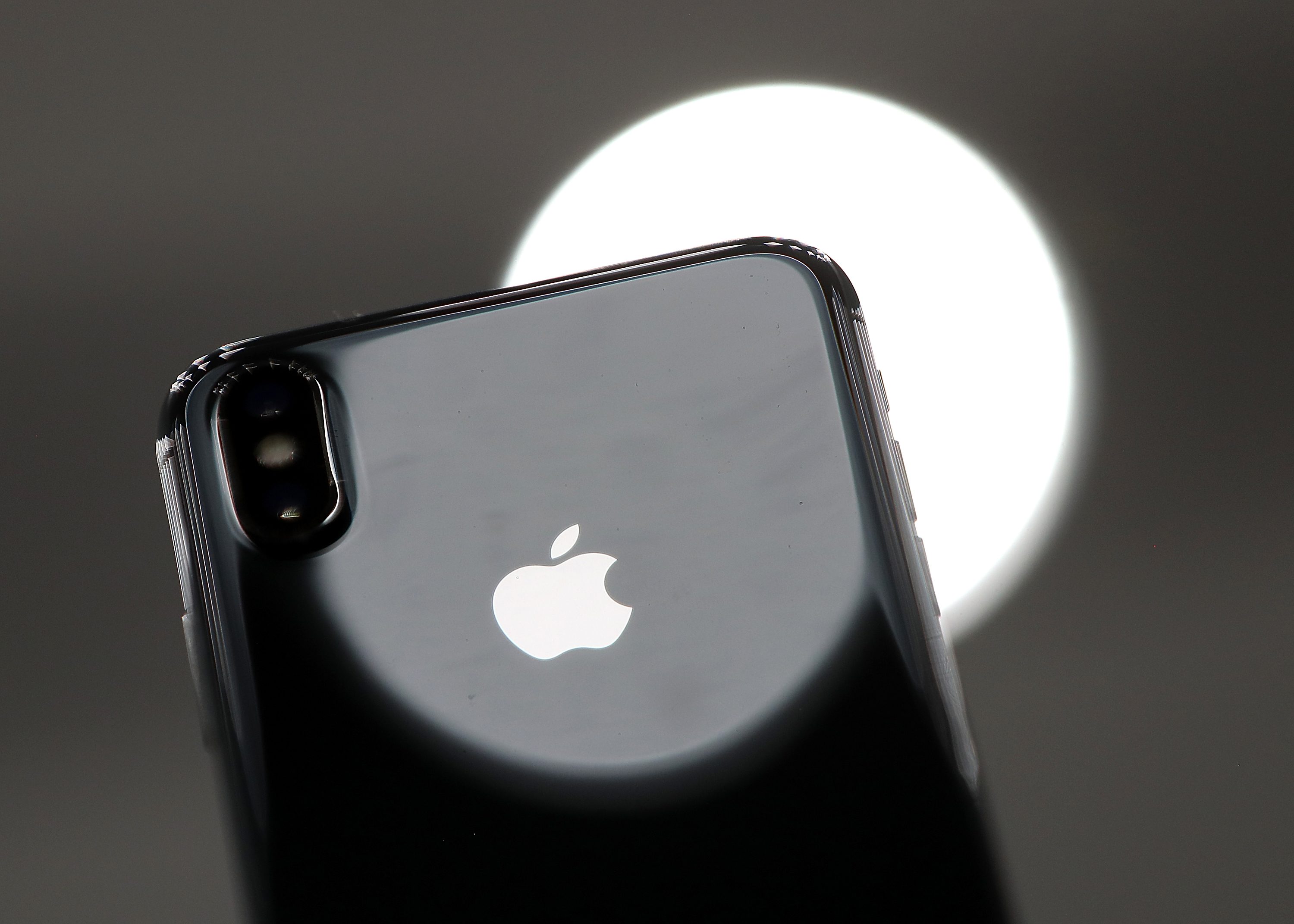 best sneakers 3cd88 ce0ac iPhone X Colors: Here Are Your Options   Inverse