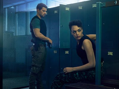 Syfy's 'Hunters' Premiere Recap: Aliens Are Terrorists