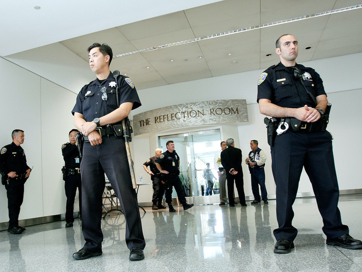 San Francisco's Police Chief Offers to Field-Test Smart Guns